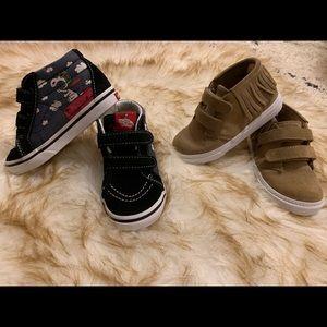 2 pairs of toddler 8 Velcro sneakers Vans & Gap